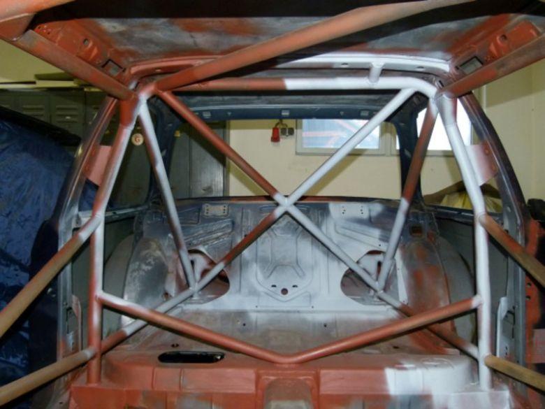 Bmw E30 Rohkarosse Mit Omp Zelle 31947 Motorsportmarktde