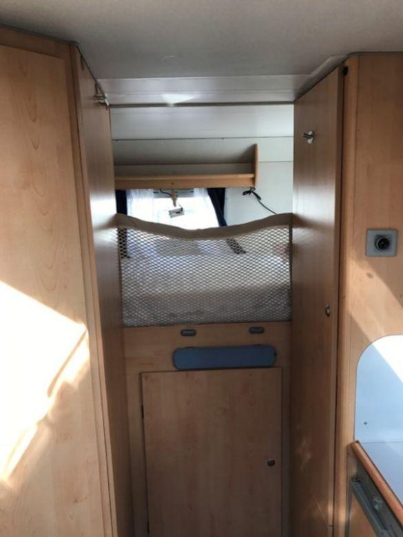 renntransporter wohnmobil 527075. Black Bedroom Furniture Sets. Home Design Ideas