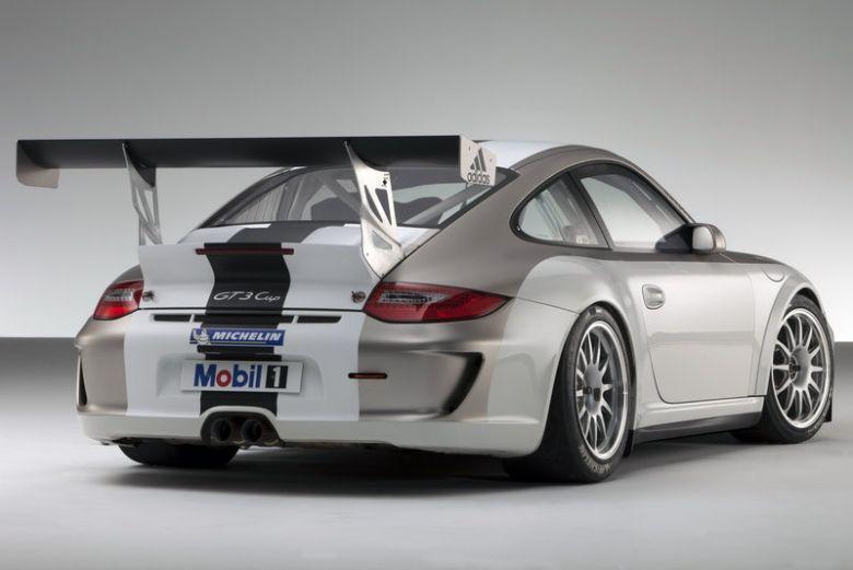 Porsche-MY-911-GT3-2012-1.jpg