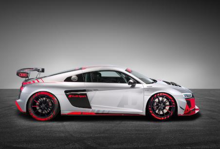 2020er-Modell des R8 LMS GT4 in seitlicher Ansicht