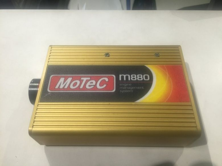 Motec M880 ECU.JPG