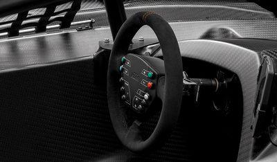 Multifunktionslenkrad des KTM X-Bow GT4