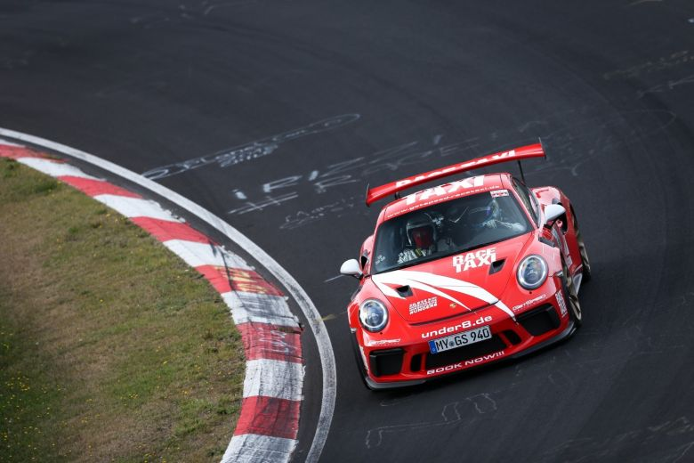 Porsche 991 GetSpeed RaceTaxi under8 (26).jpg